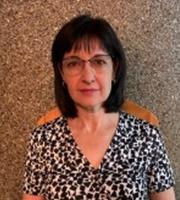 Dr. Anita Ras
