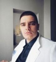 Dr. Artur Holubka